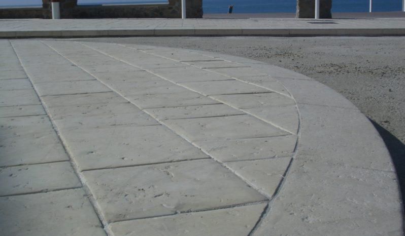 Bordure inclinée 30×15-12 L100 pierre sciée complet